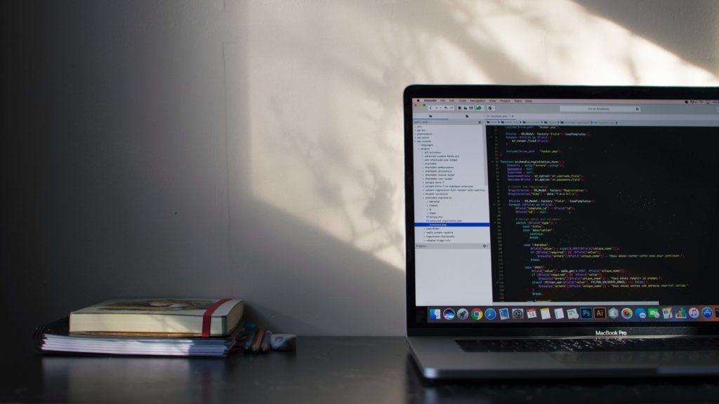 Python プログラミングスクール おすすめ